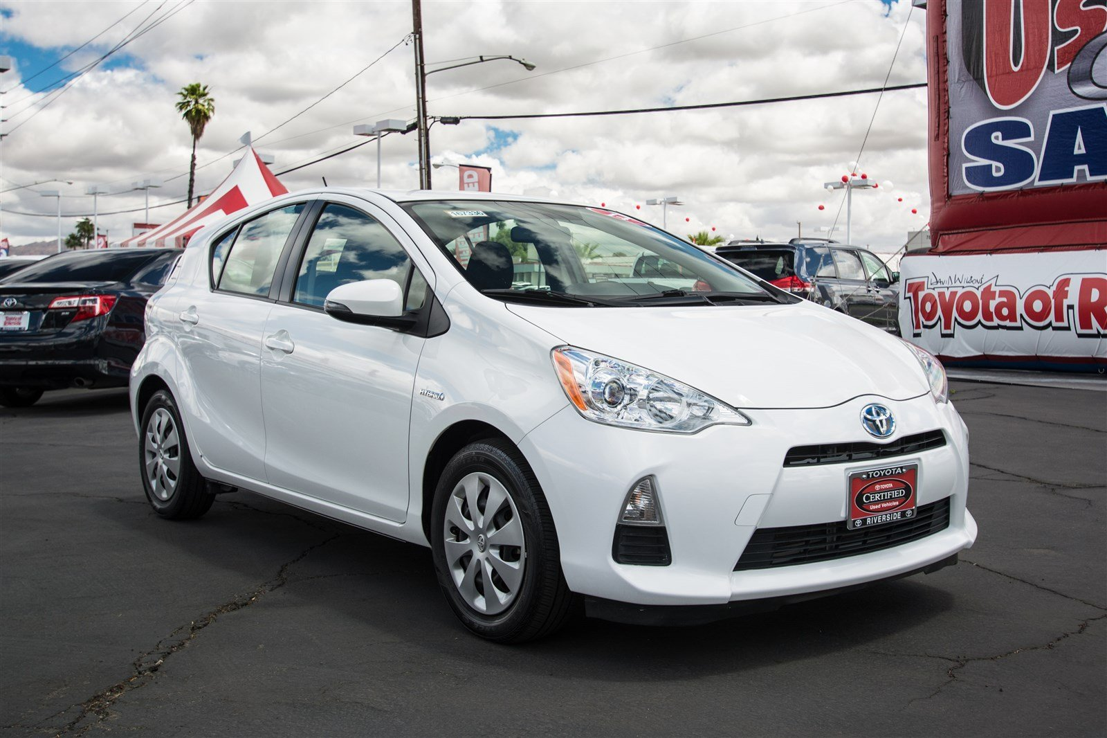 pre owned 2014 toyota prius c two hatchback in riverside. Black Bedroom Furniture Sets. Home Design Ideas